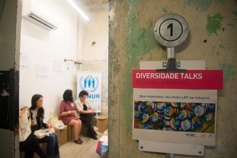 "Roda de conversa ""Sem Fronteiras: Mulheres LBT em Trânsito"". (Foto: UNFPA Brasil/Débora Klempous)"